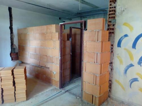 Egészségügyi központ felújítása / Rekonštrukcia ObZS